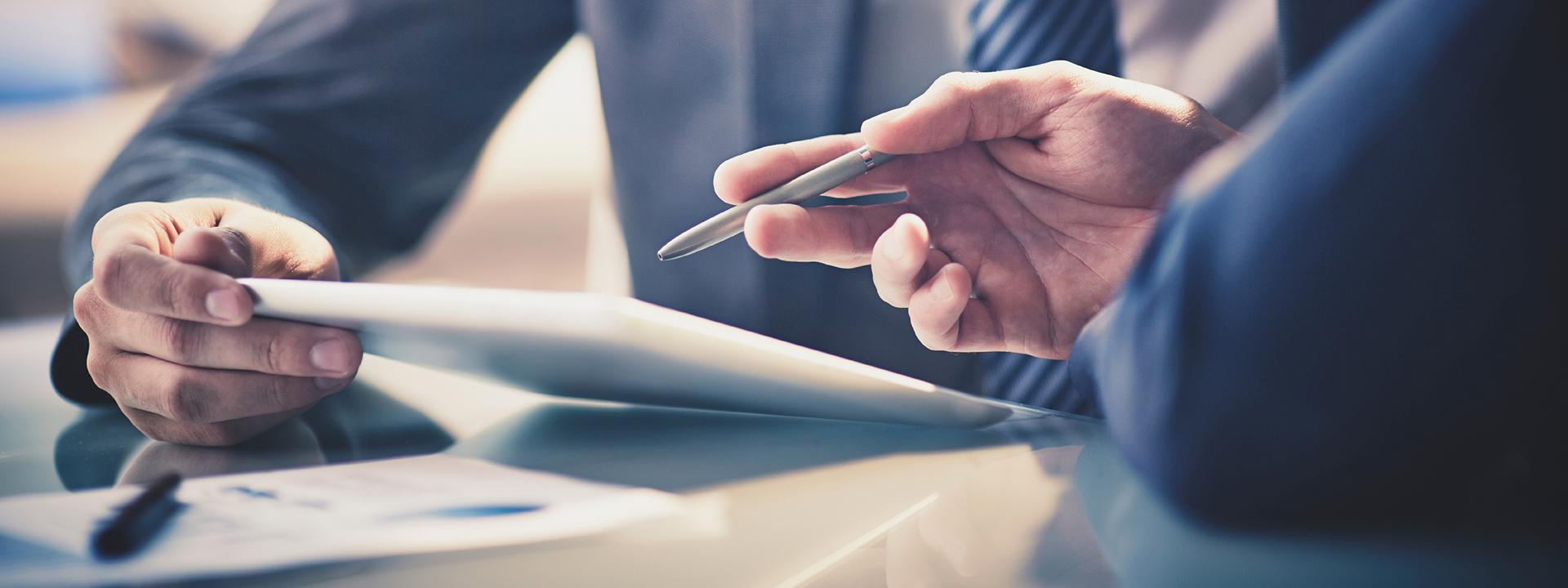Si usted es operador de telecomunicaciones, o es una empresa tecnológica, o utiliza la tecnología de manera cotidiana, Iberolex es su asesoría preferente.